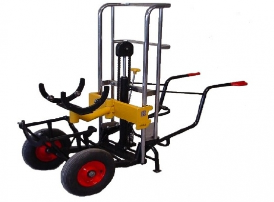A hydraulic trolley for bumpers' mounting, demounting and transport